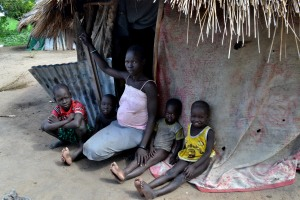 Rebecca Kiden Gotich and children (4)